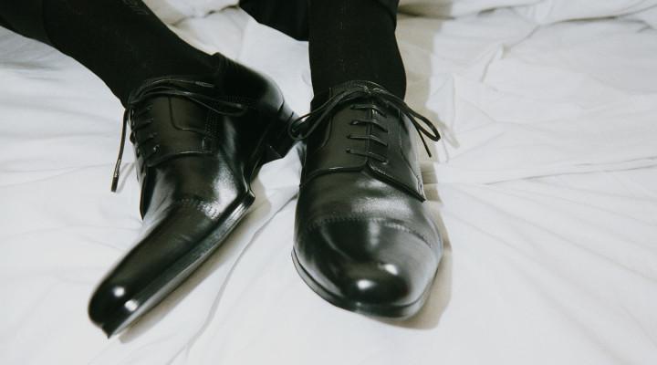 scelta dei calzini sulle scarpe da sposo